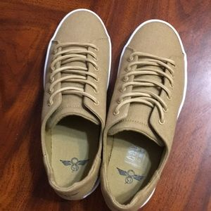 Creative Recreation - Carda Low Top Sneaker size 7